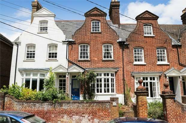 3 Bedrooms Terraced House for sale in Park Road, Tring, Hertfordshire