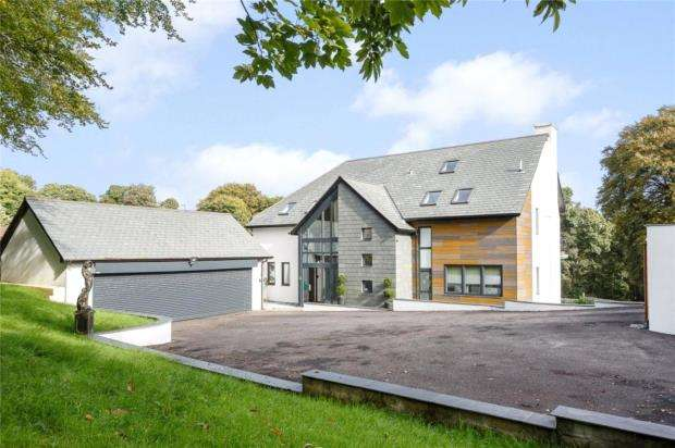 4 Bedrooms Detached House for sale in Plymbridge Road, Plymouth, Devon