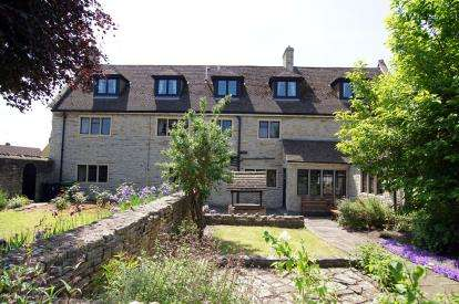 4 Bedrooms Detached House for sale in Castle Road, Pucklechurch, Bristol, South Gloucestershire