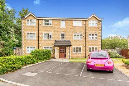 2 Bedrooms Flat for sale in Tame Valley Close, Mossley, Ashton-under-Lyne, Greater Manchester