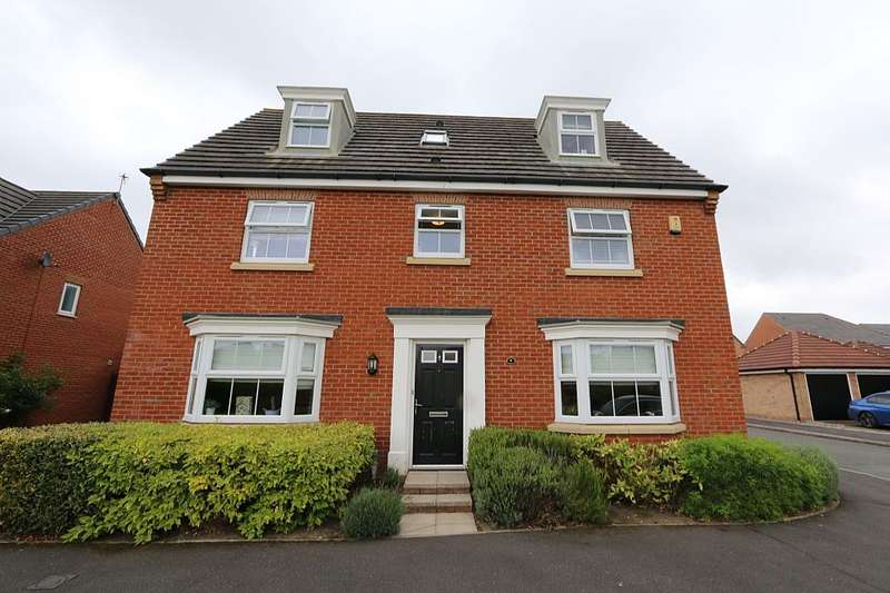 5 Bedrooms Detached House for sale in Doughton Green, Widnes, Cheshire, WA8