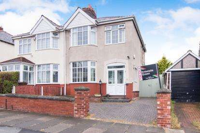 3 Bedrooms Semi Detached House for sale in Stanley Park, Litherland, Merseyside, Liverpool, L21