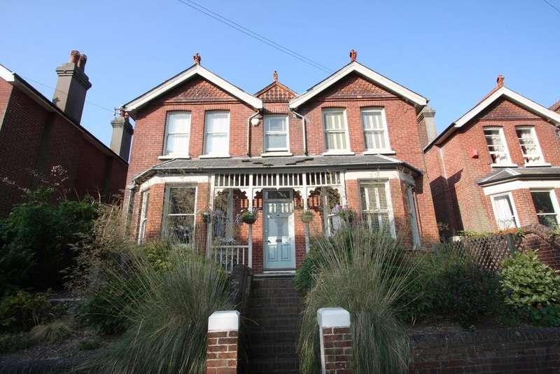 4 Bedrooms Detached House for sale in Gorringe Road, Eastbourne BN22