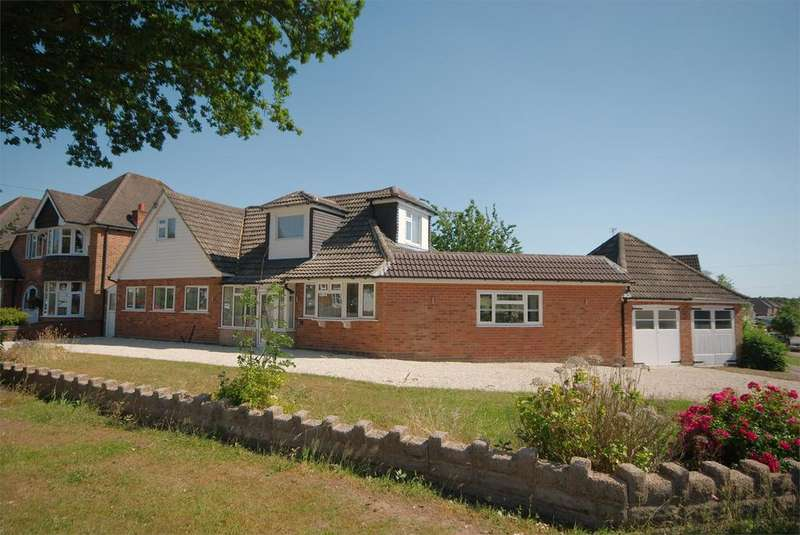 4 Bedrooms Detached House for sale in Barnard Road, Sutton Coldfield, B75