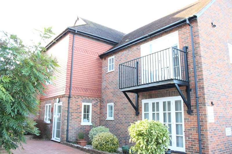 1 Bedroom Apartment Flat for sale in Crown Mews, Hungerford RG17