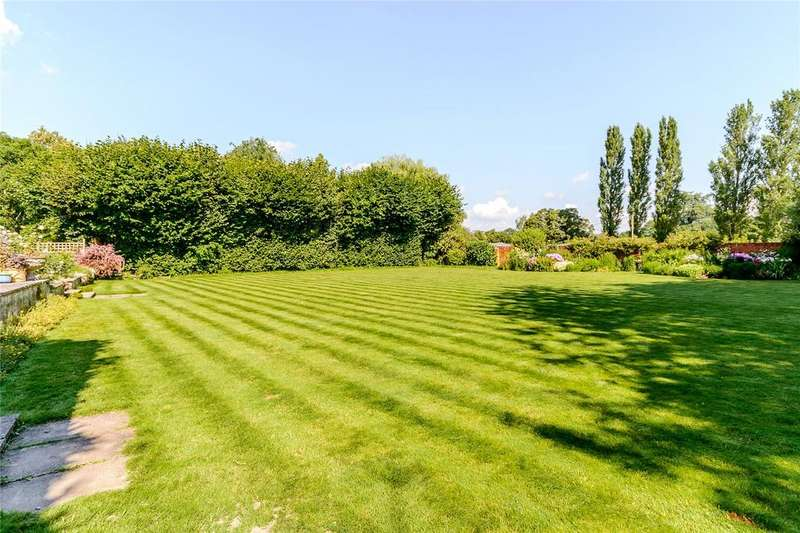 7 Bedrooms Detached House for sale in Thackhams Lane, Hartley Wintney, Hampshire