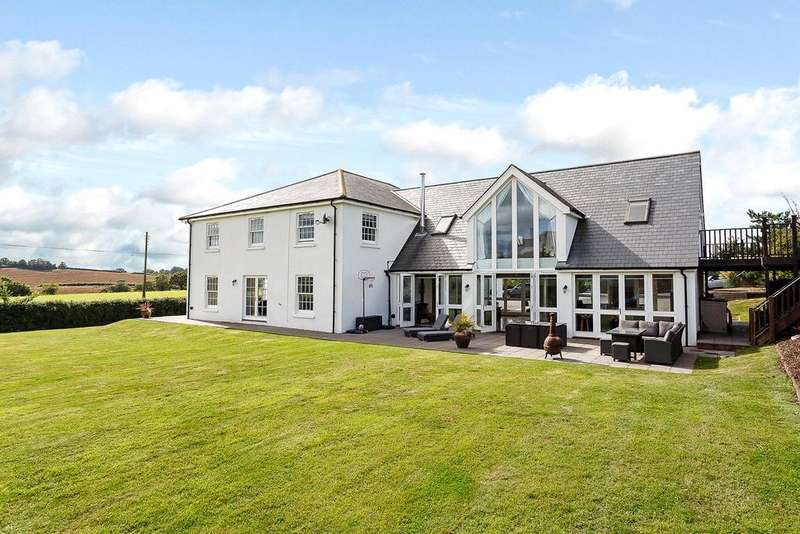 5 Bedrooms Detached House for sale in Ebford, Exeter