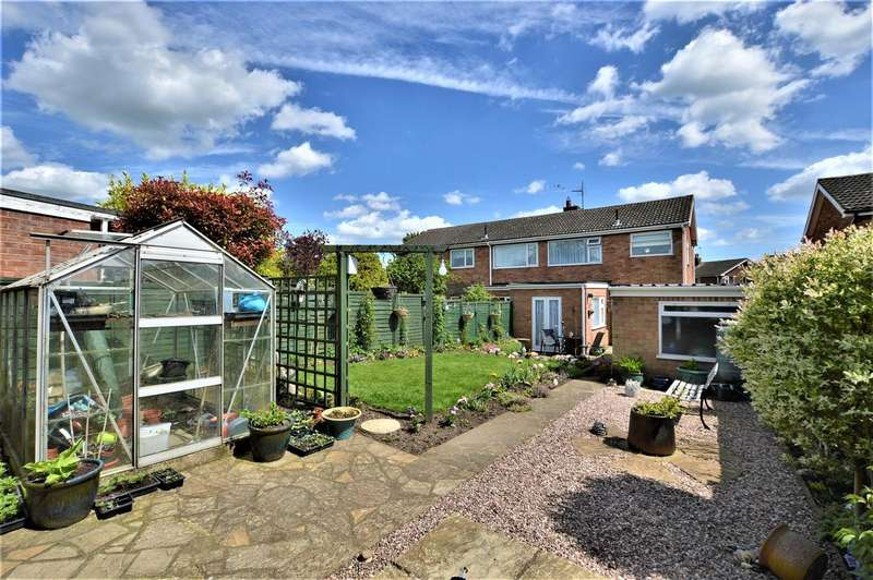 3 Bedrooms Detached House for sale in Rockingham Road, Stamford