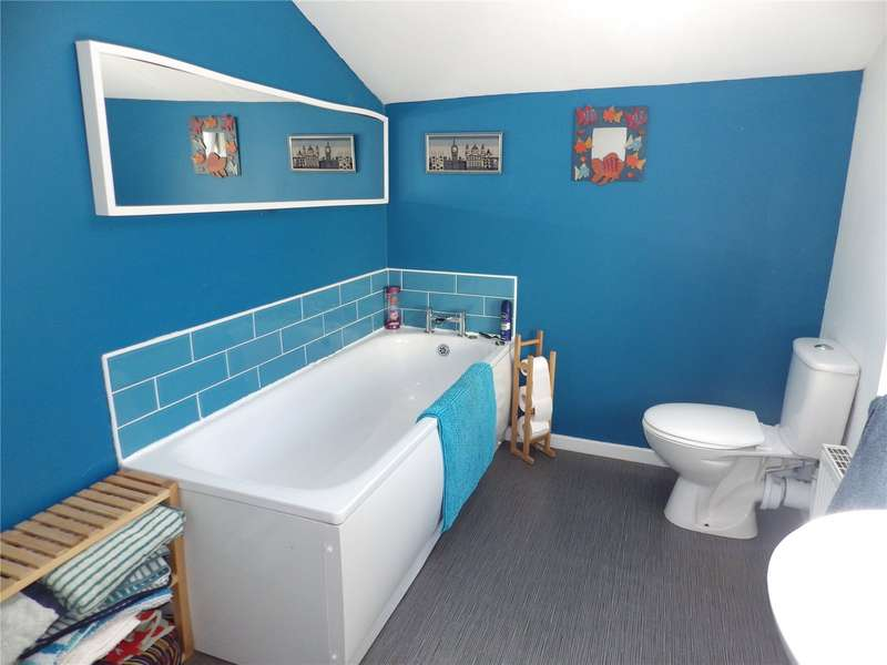 2 Bedrooms Terraced House for sale in Oldham Road, Ashton-under-Lyne, Greater Manchester, OL7