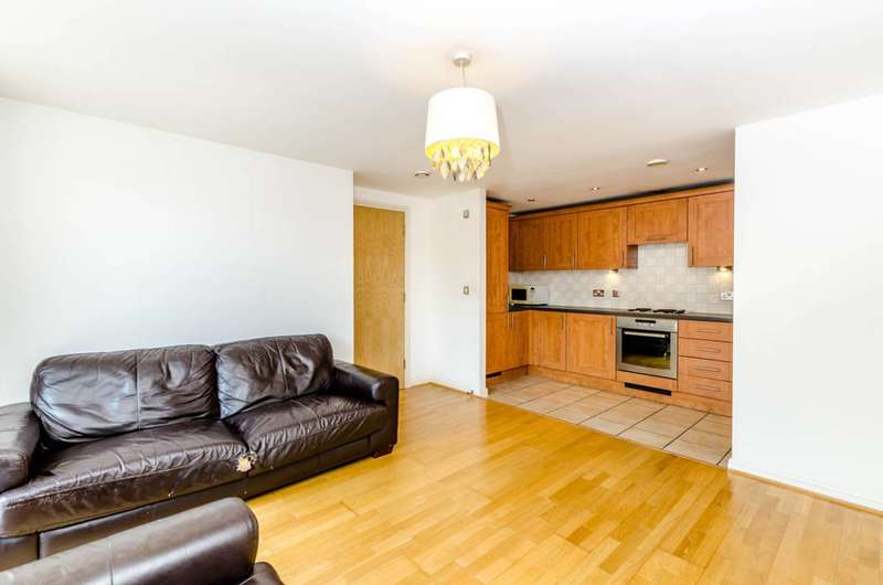 2 Bedrooms Flat for sale in Broadway Road, West Ealing, W13