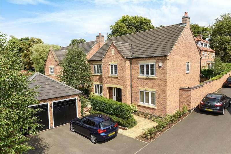 4 Bedrooms Detached House for sale in Kinross Road, Greylees, NG34