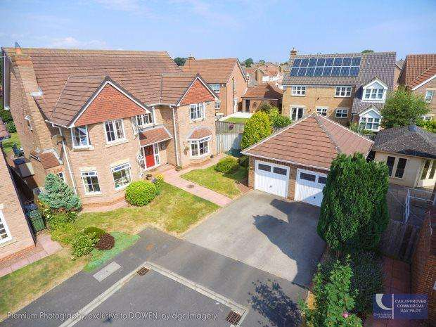 5 Bedrooms Detached House for sale in HAMPSTEAD GARDENS, TUNSTALL AREA, HARTLEPOOL
