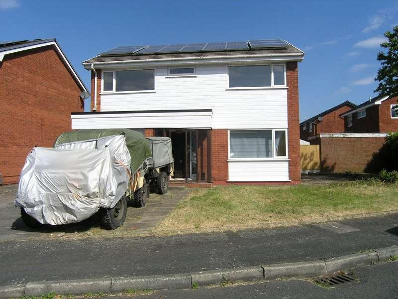 4 Bedrooms Detached House for sale in Freshfields Drive, Padgate, Warrington
