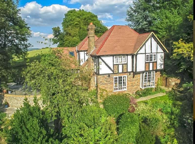 5 Bedrooms Detached House for sale in Hosey Hill, Westerham