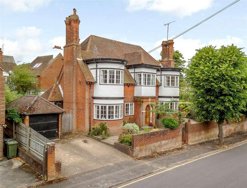5 Bedrooms Detached House for sale in Ennismore Avenue, Guildford, Surrey