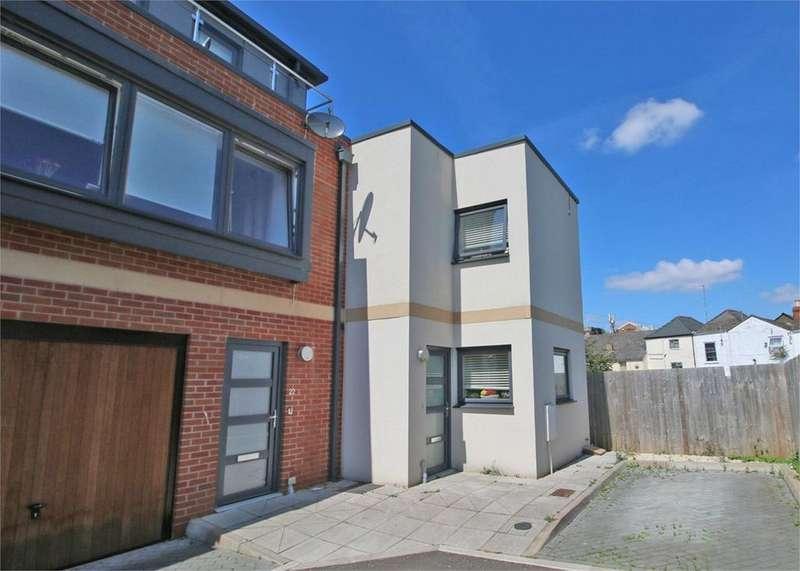 2 Bedrooms Terraced House for sale in Station Street, CHELTENHAM