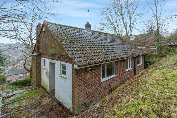 3 Bedrooms Detached House for sale in Carrington Road, High Wycombe HP12