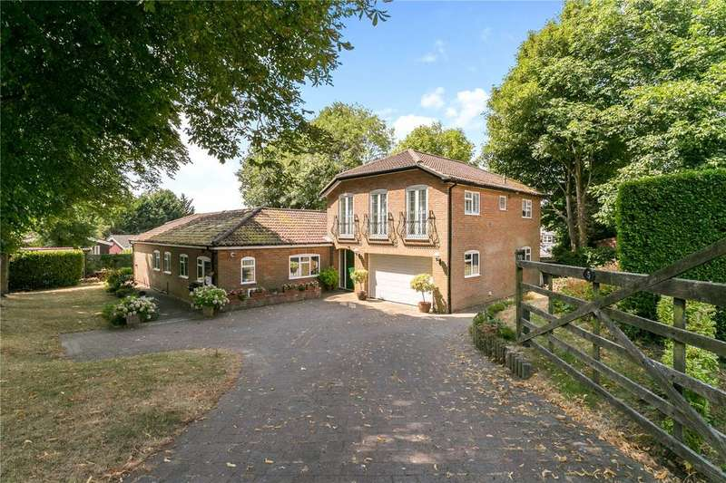 5 Bedrooms Detached House for sale in Bailey Close, High Wycombe, Buckinghamshire, HP13