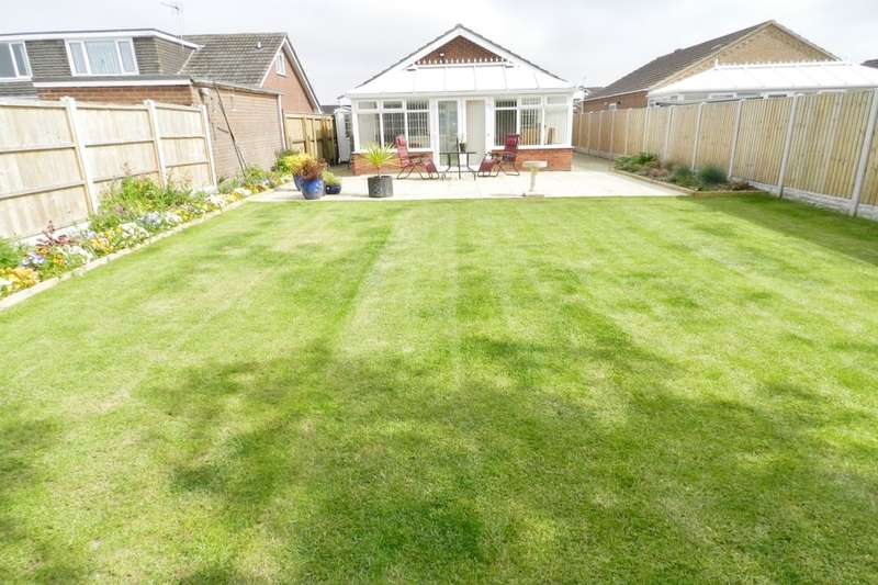 2 Bedrooms Detached Bungalow for sale in Chanctonbury Way, Sutton-On-Sea, Mablethorpe, LN12