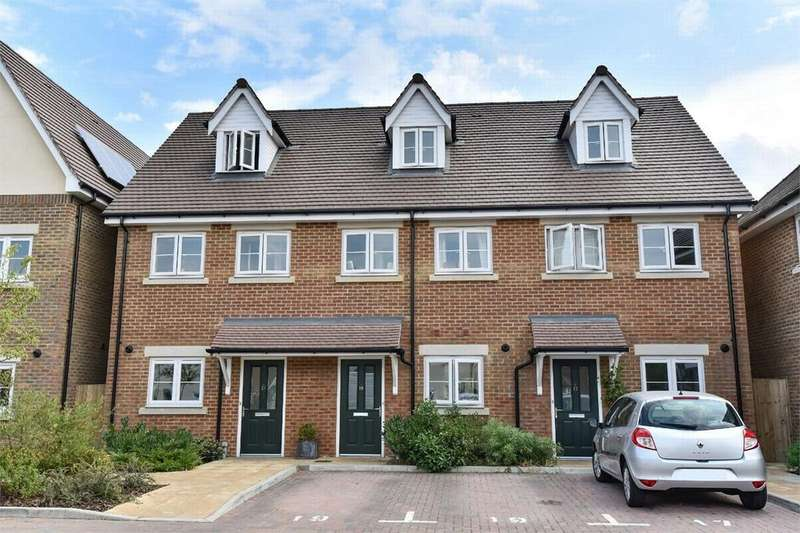 3 Bedrooms Terraced House for sale in South Street, Farnborough, Hampshire