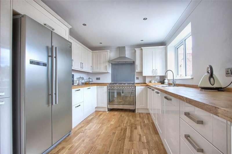 3 Bedrooms Detached House for sale in Hillside Close, New Marske