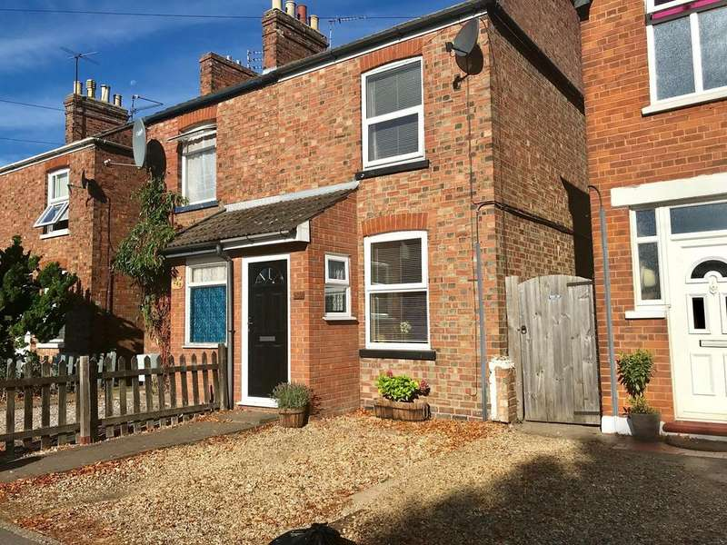 2 Bedrooms Semi Detached House for sale in Park Road, Spalding, PE11