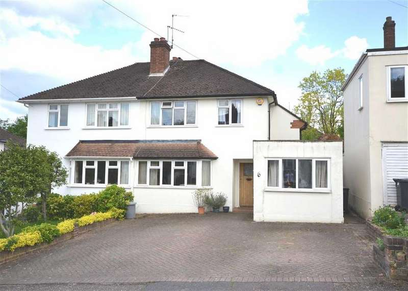 4 Bedrooms Semi Detached House for sale in Roundmead Close, Loughton, Essex