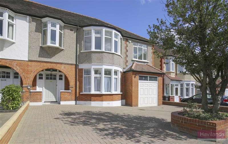 5 Bedrooms Semi Detached House for sale in Woodland Way, Winchmore Hill, London