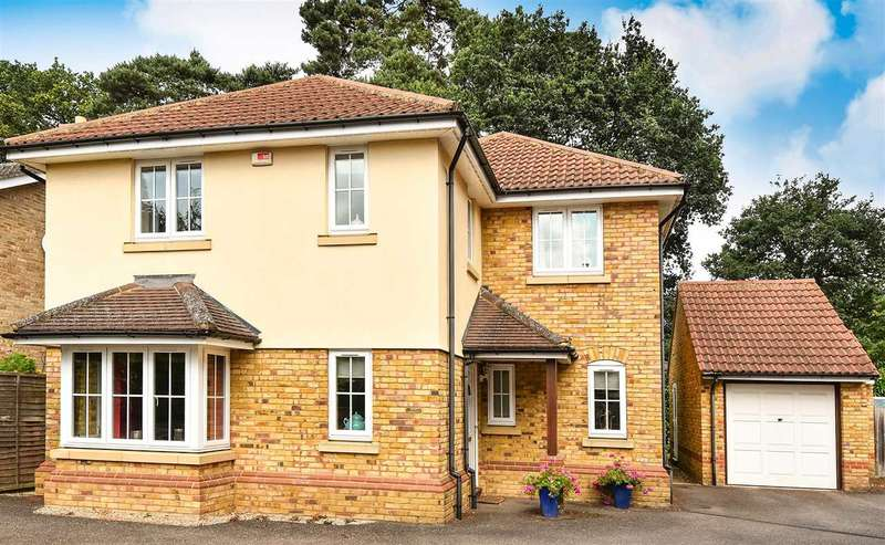 4 Bedrooms Detached House for sale in Barwell Close, Crowthorne