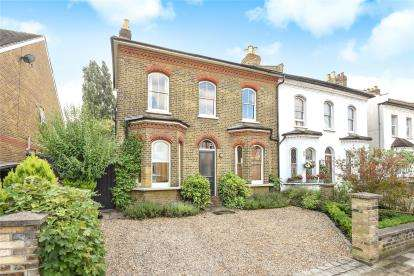 4 Bedrooms Semi Detached House for sale in Mackenzie Road, Beckenham