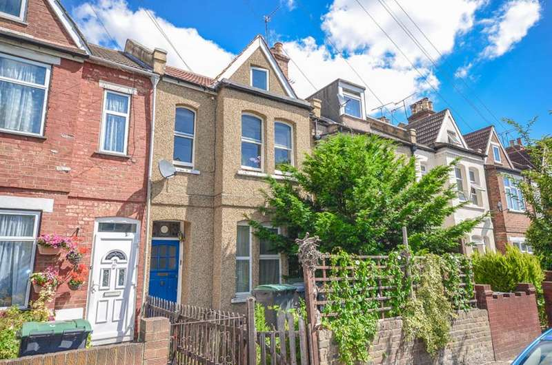 2 Bedrooms Flat for sale in Colless Road, London, N15