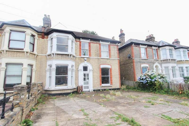 4 Bedrooms End Of Terrace House for sale in Claremont Road, Forest Gate, London E7