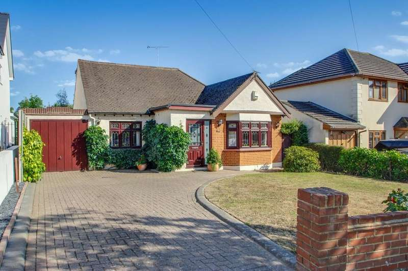 3 Bedrooms Chalet House for sale in Thundersley, SS7