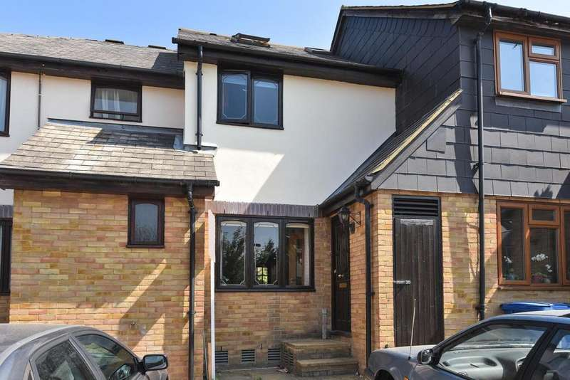 3 Bedrooms Terraced House for sale in Deck Close, Surrey Quays