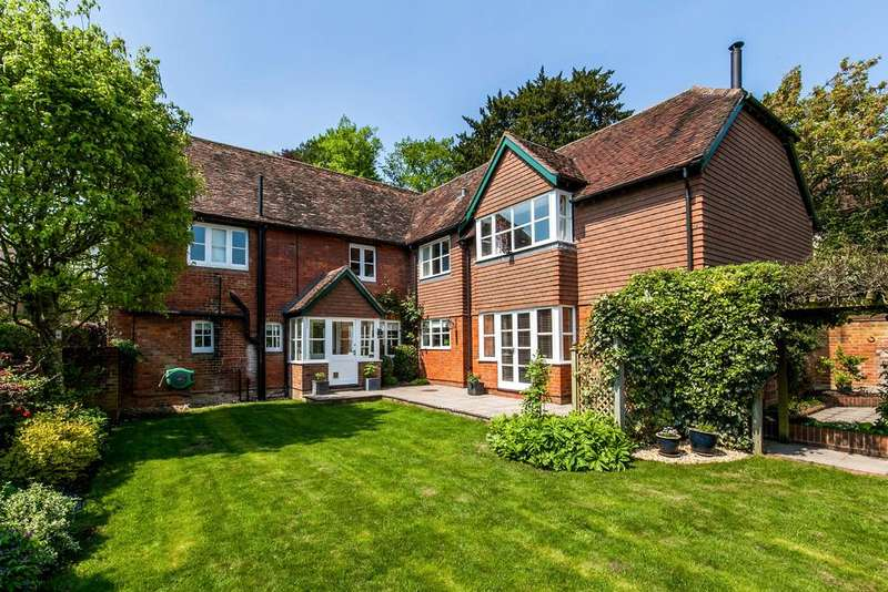 4 Bedrooms Detached House for sale in Main Road, Littleton, Winchester, SO22