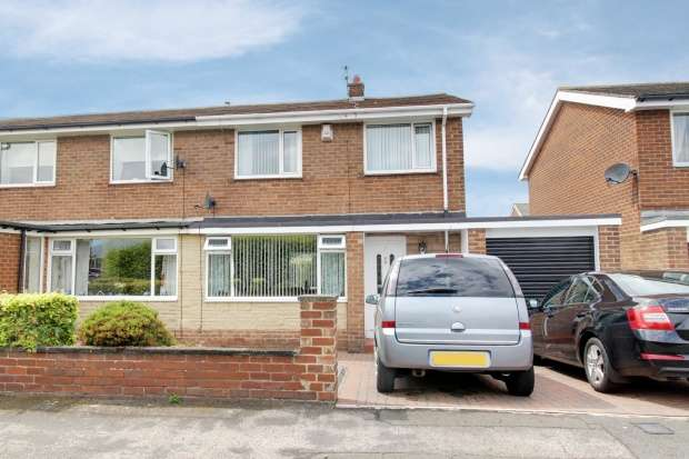 3 Bedrooms Semi Detached House for sale in Callander, Chester Le Street, Durham, DH2 1LE