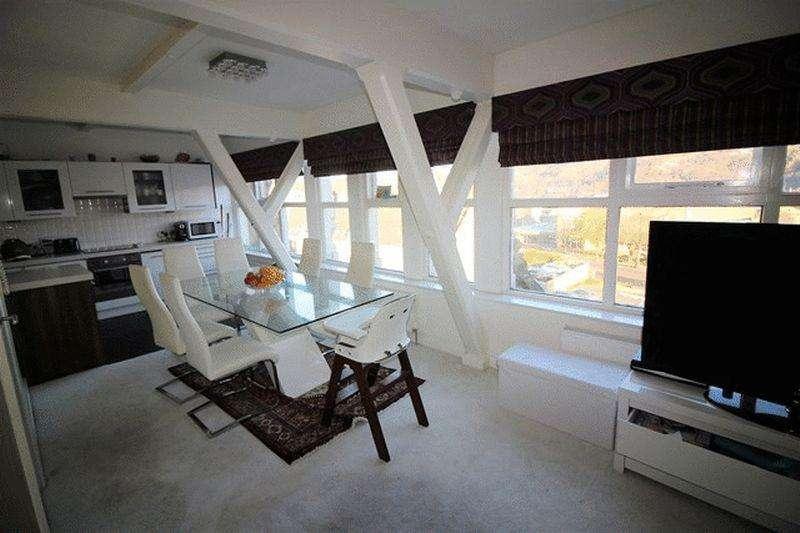 2 Bedrooms Apartment Flat for sale in Prescott Street, Halifax