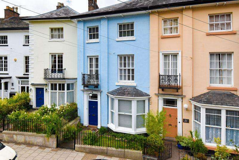 4 Bedrooms Terraced House for sale in Moody Street, Congleton