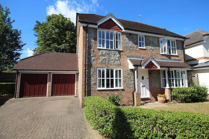 4 Bedrooms Detached House for sale in Highcliffe Close, Woodley, Reading