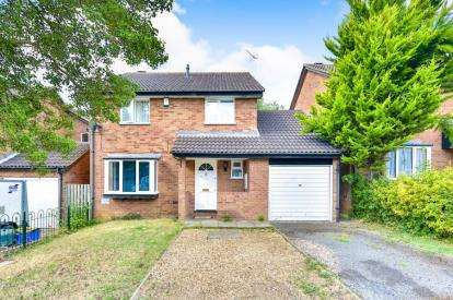 4 Bedrooms Link Detached House for sale in Padstow Avenue, Fishermead, Milton Keynes, Buckinghamshire