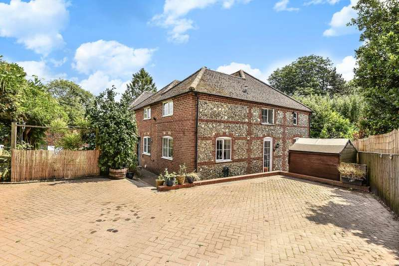 4 Bedrooms House for sale in Downley Common, Buckinghamshire, HP13