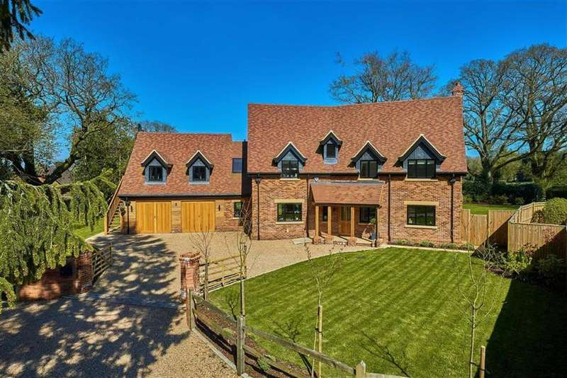 5 Bedrooms Detached House for sale in Chiltley Lane, Liphook, Hampshire, GU30