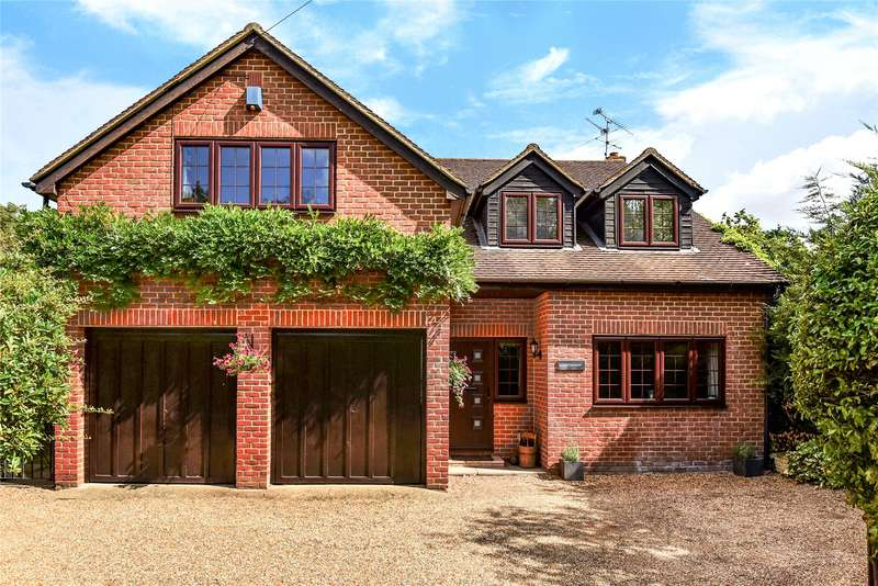 4 Bedrooms Detached House for sale in Darby Green Road, Darby Green, Camberley, GU17