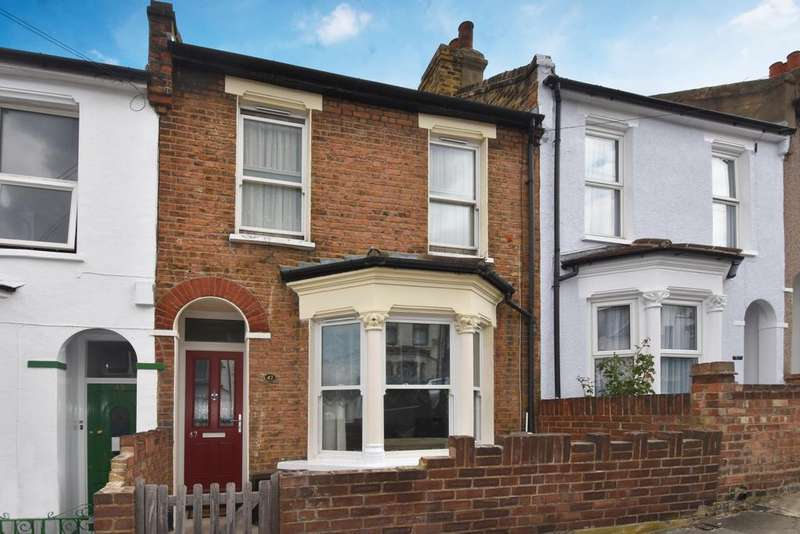 3 Bedrooms Terraced House for sale in Bramblebury Road London SE18