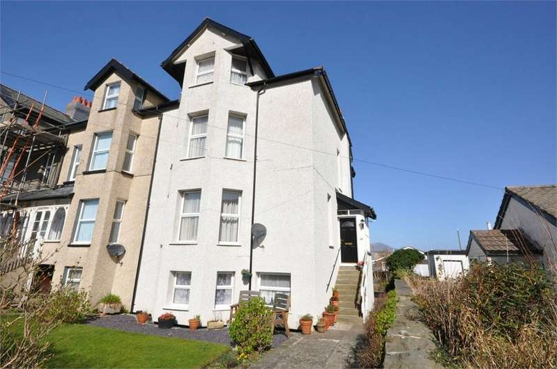 7 Bedrooms End Of Terrace House for sale in Belgrave Road, Fairbourne, Gwynedd, Wales
