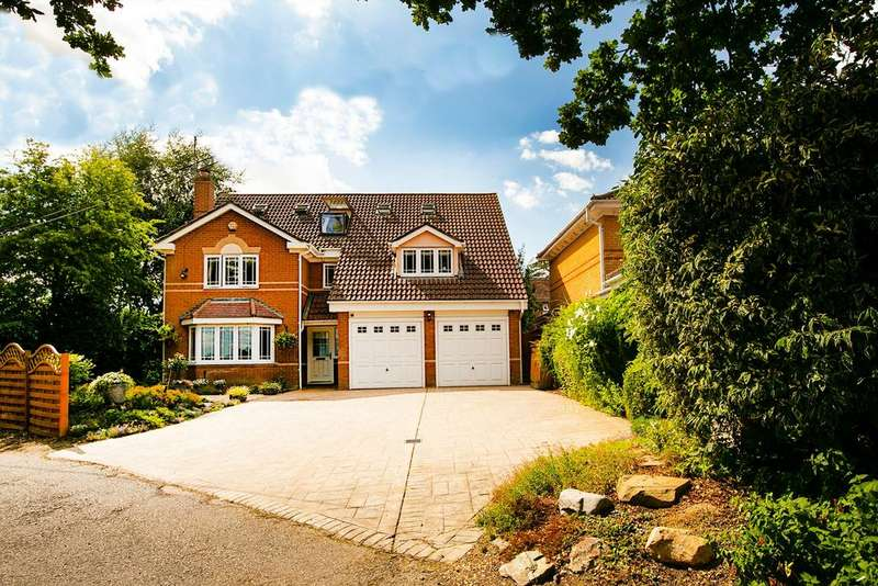 4 Bedrooms Detached House for sale in Spencers Wood, Reading