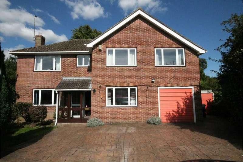 5 Bedrooms Detached House for sale in Speen Lane, Newbury, RG14