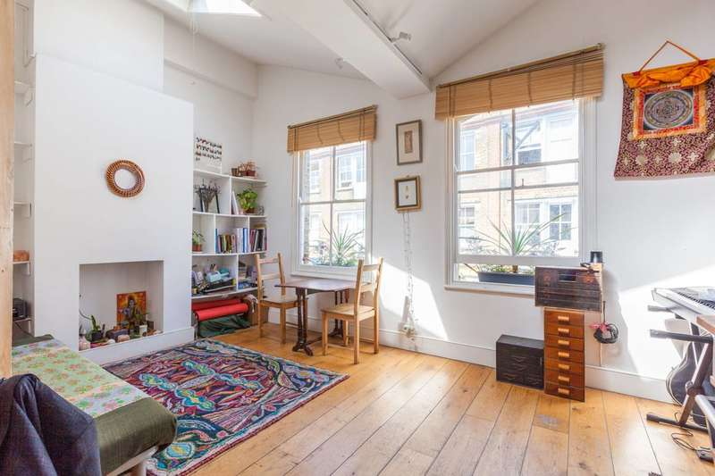 2 Bedrooms Flat for sale in Columbia Road, Shoreditch, E2