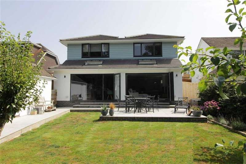 4 Bedrooms House for sale in Barton on Sea, Hampshire