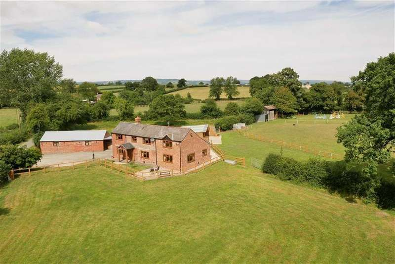 3 Bedrooms Detached House for sale in Rhosygadfa, Oswestry, SY10